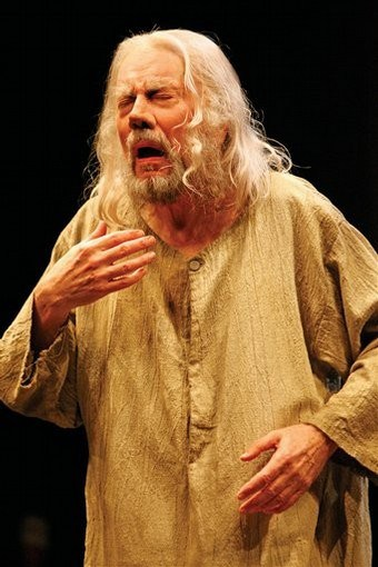 "This undated photo provided by the Stratford Festival of Canada shows Brian Bedford as King Lear in the 2007 festival's production of Shakespeare's ""King Lear."" The play will run in repertoire through Oct. 28, 2007. (AP Photo/Stratford Festival of Canada, David Hou)"
